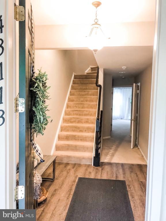 Welcome Home - 43113 HUNTERS GREEN SQ, BROADLANDS