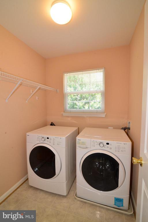 Laundry room upper level - 607 NATHAN PL NE, LEESBURG