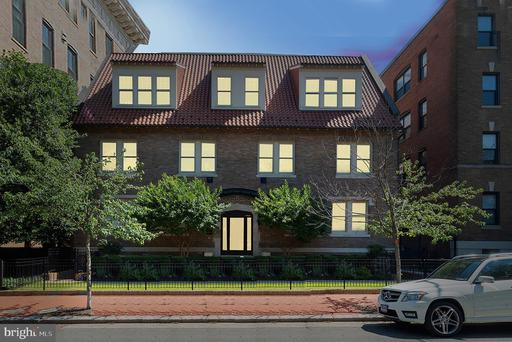 1704 T ST NW #102
