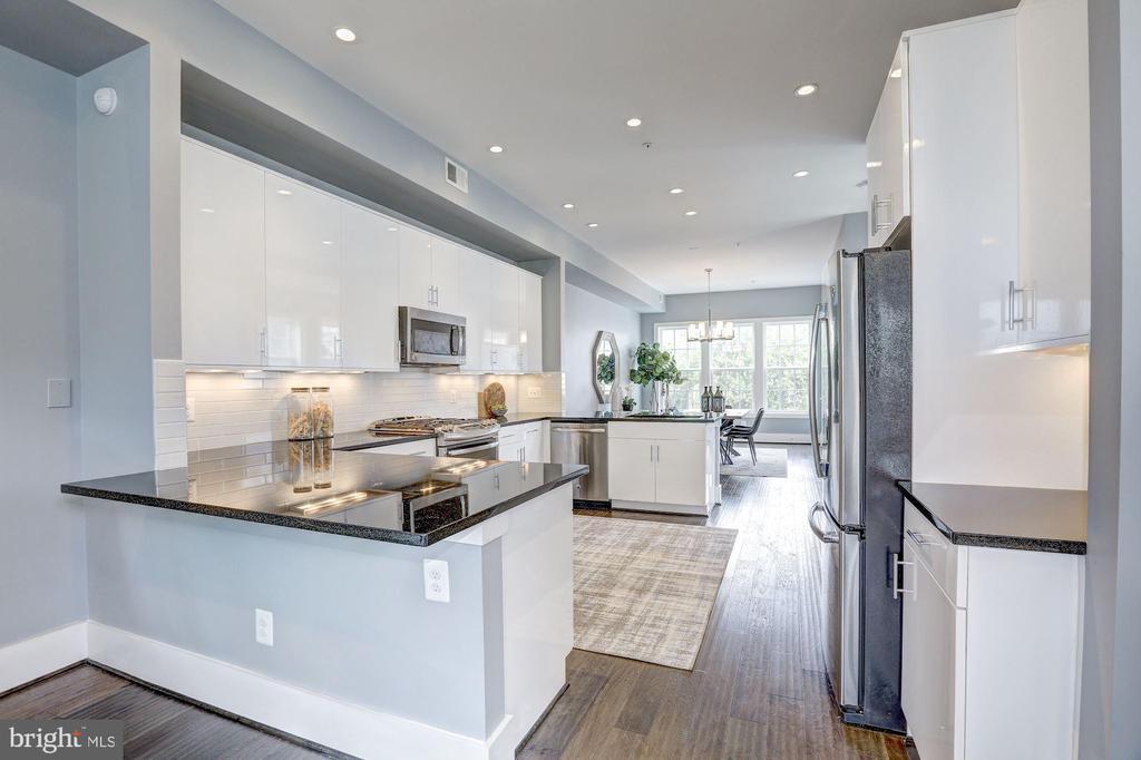 Main Level - Kitchen - 779 MORTON ST NW #B, WASHINGTON