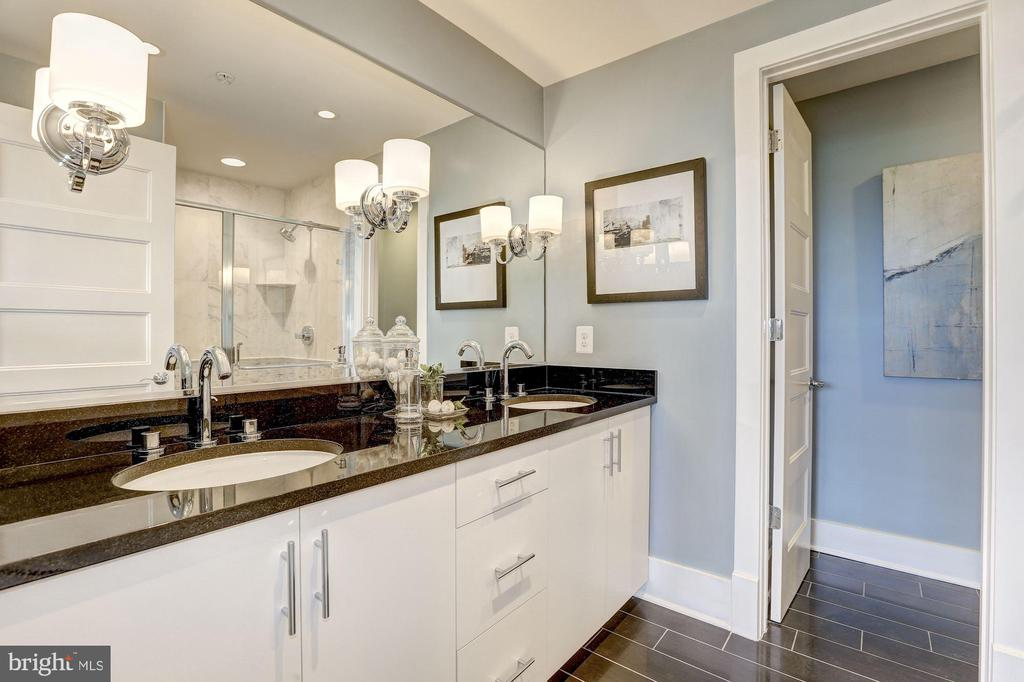 First Upper Level - Master Bath - 779 MORTON ST NW #B, WASHINGTON