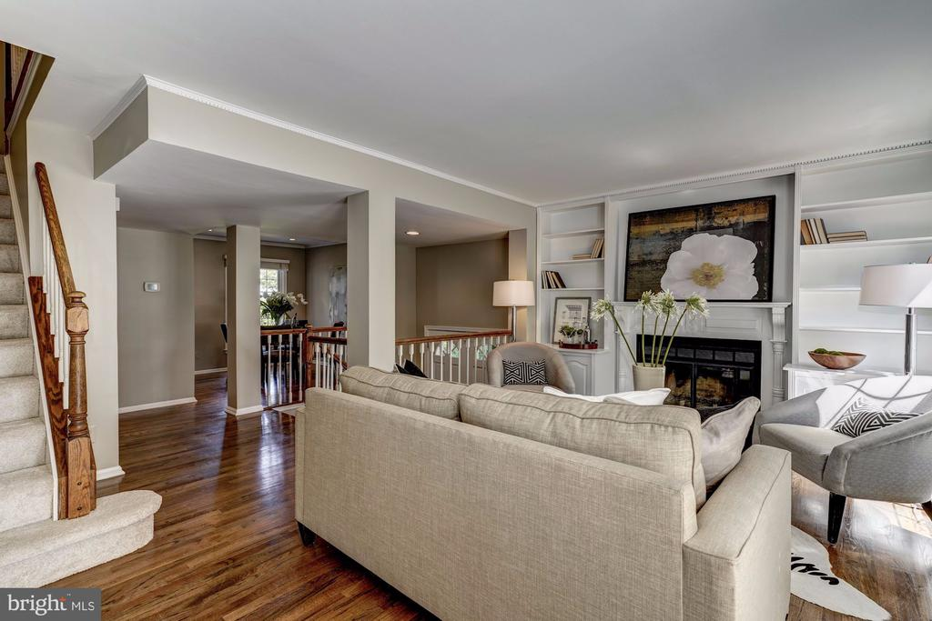 Gleaming hardwood floors throughout the main level - 2817-D S WOODROW ST #124-8, ARLINGTON
