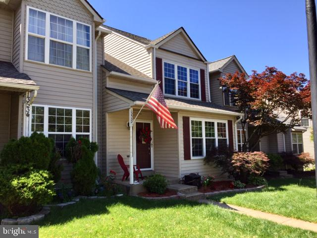 Single Family for Sale at 13532 Darter Ct Clifton, Virginia 20124 United States