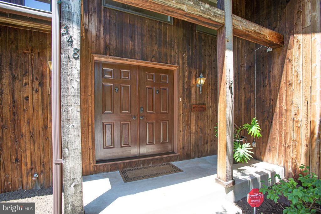 Double door main entry - 348 OAK TREE LN, STERLING