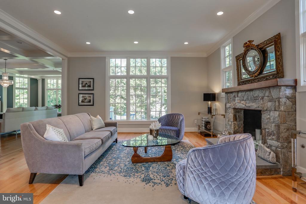 Living Room with Wood Burning Fireplace - 3305 N ALBEMARLE ST, ARLINGTON
