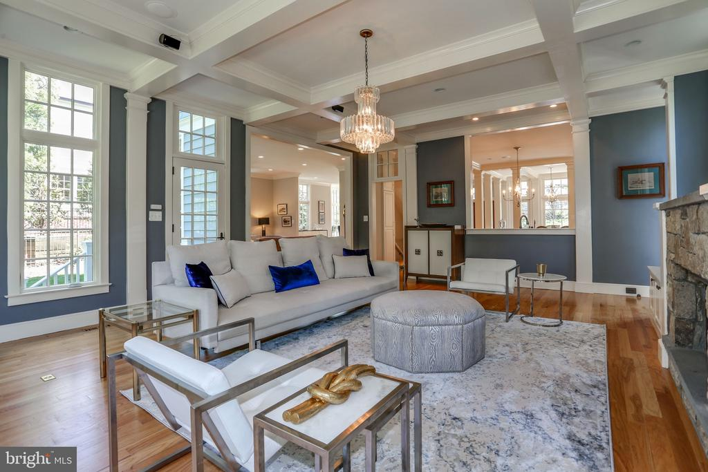 Family Room with Coffered Ceiling - 3305 N ALBEMARLE ST, ARLINGTON
