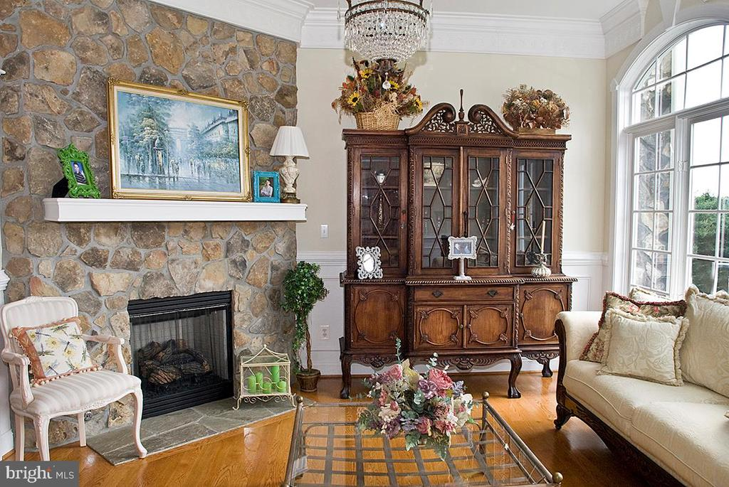 Formal Living Room - 20280 GILESWOOD FARM LN, PURCELLVILLE