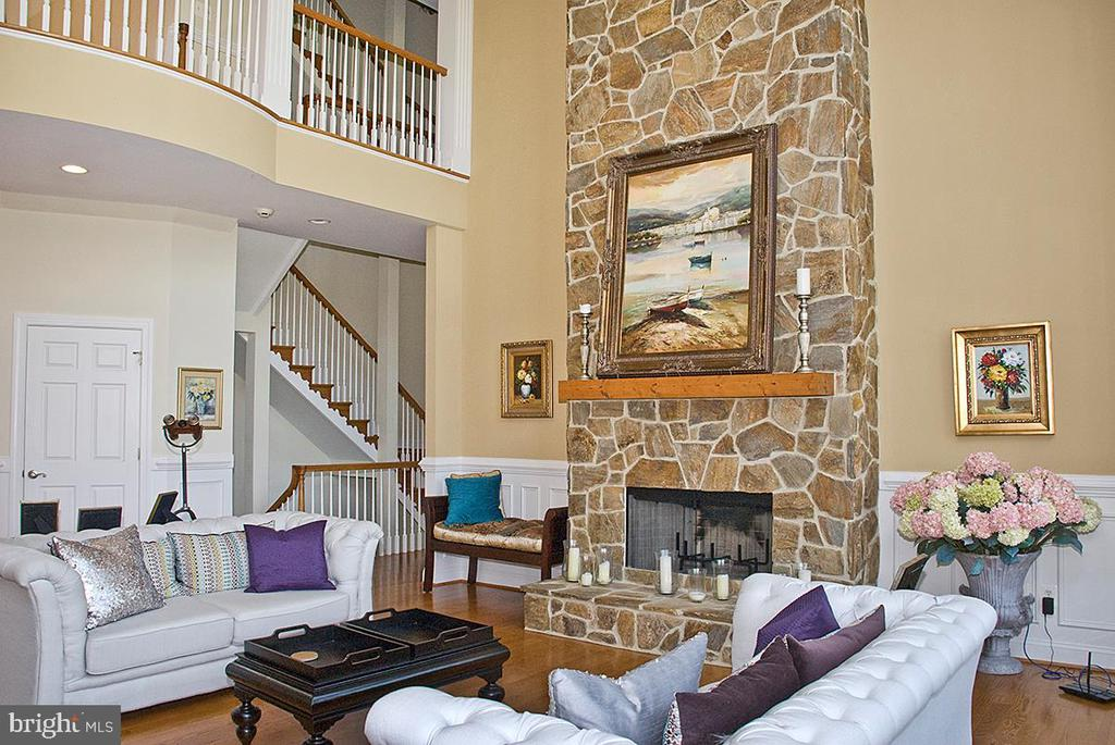 Two story Great Room - 20280 GILESWOOD FARM LN, PURCELLVILLE