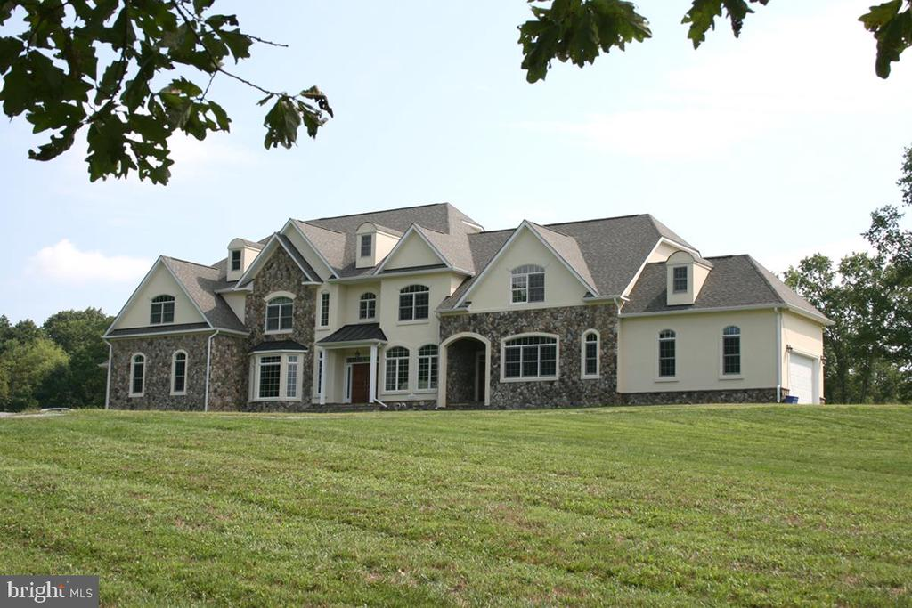 ~Exquisite~stone & stucco~4 level Residence - 20280 GILESWOOD FARM LN, PURCELLVILLE
