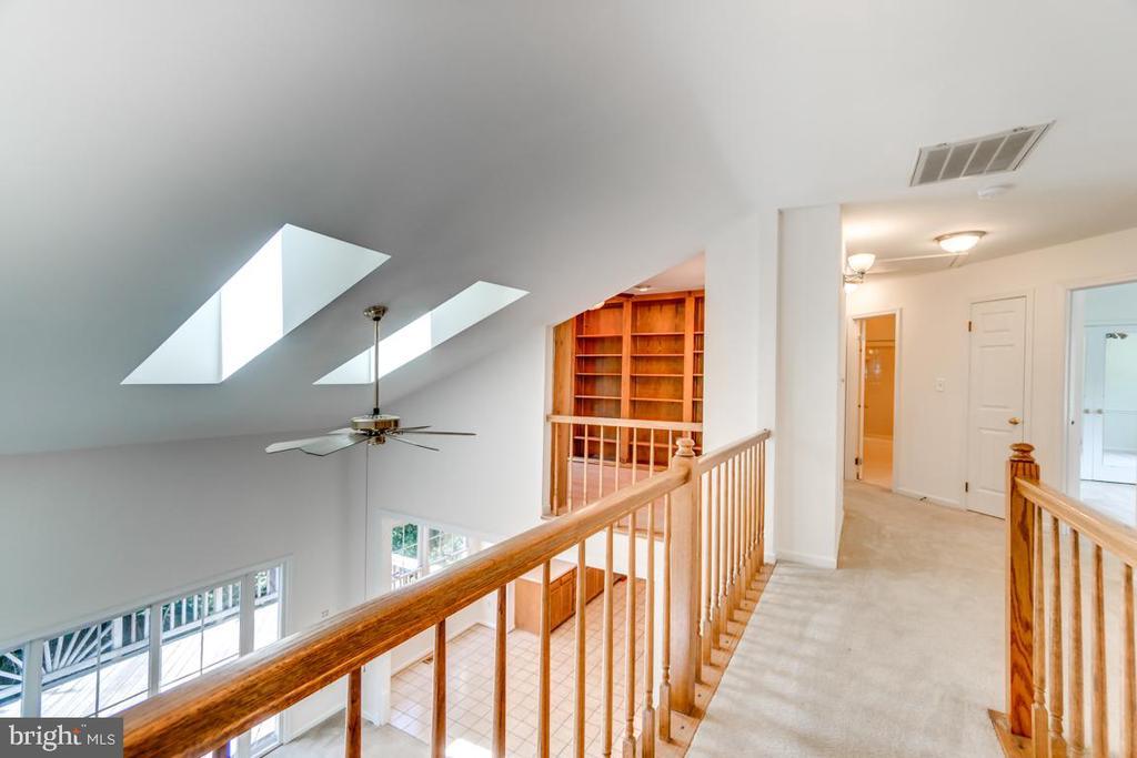 Upstairs Hallway with Open Overlook - 2235 AQUIA DR, STAFFORD