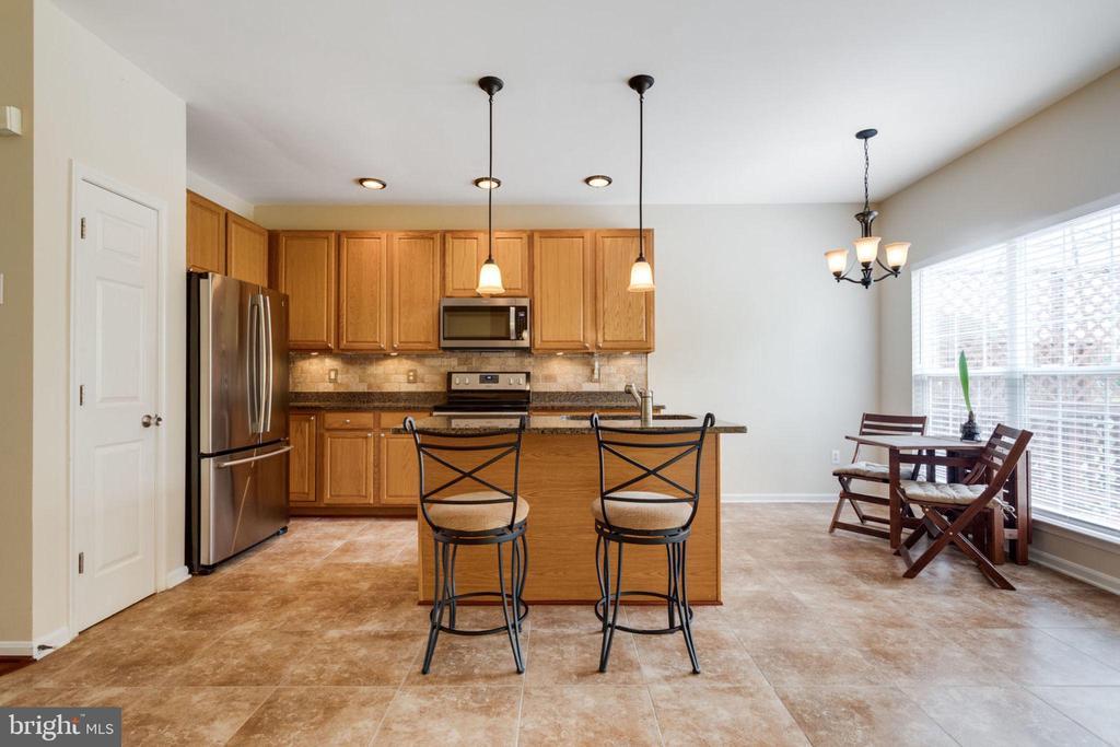 Open Kitchen w/ Tiled Floor - 5185 BALLYCASTLE CIR, ALEXANDRIA