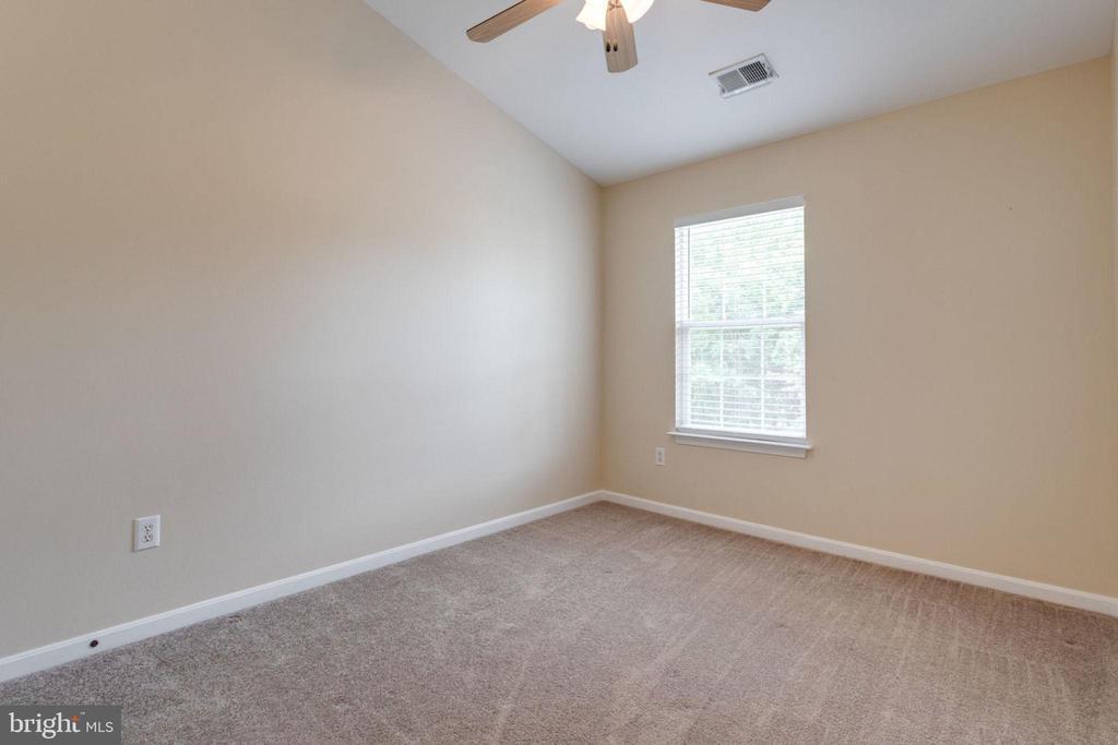 3rd Large Bedroom - 5185 BALLYCASTLE CIR, ALEXANDRIA