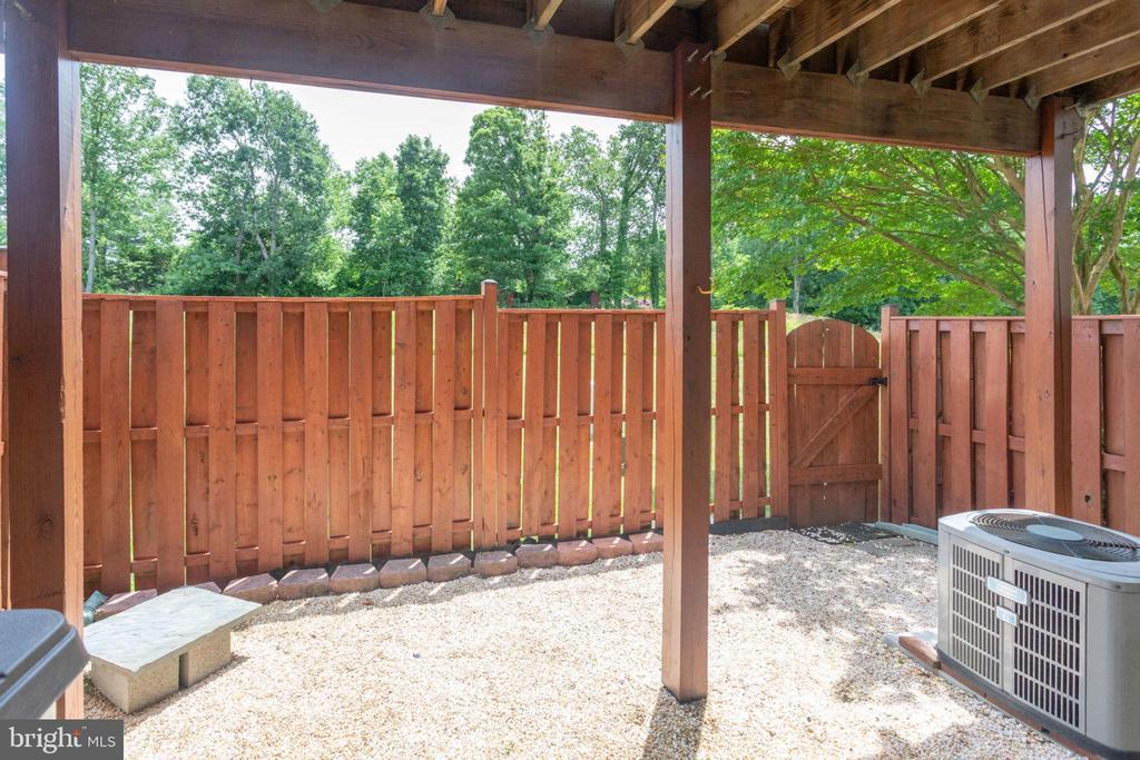 Fenced in Yard - 5185 BALLYCASTLE CIR, ALEXANDRIA