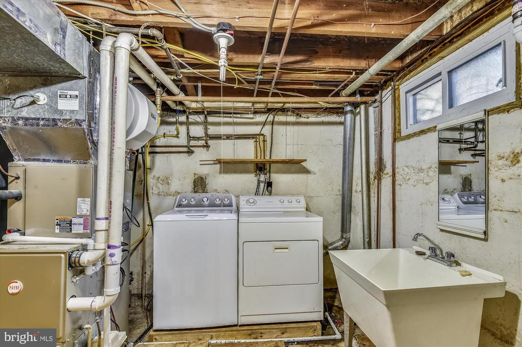 Laundry / Storage Room - 398 N EDISON ST, ARLINGTON