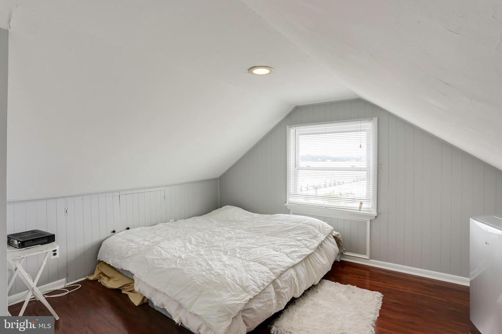 Upstairs bedroom/sleeping space - 993 MAGOTHY AVE, ARNOLD