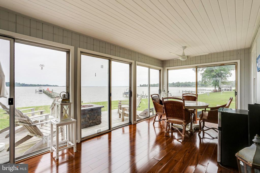 Waterfront porch - 993 MAGOTHY AVE, ARNOLD