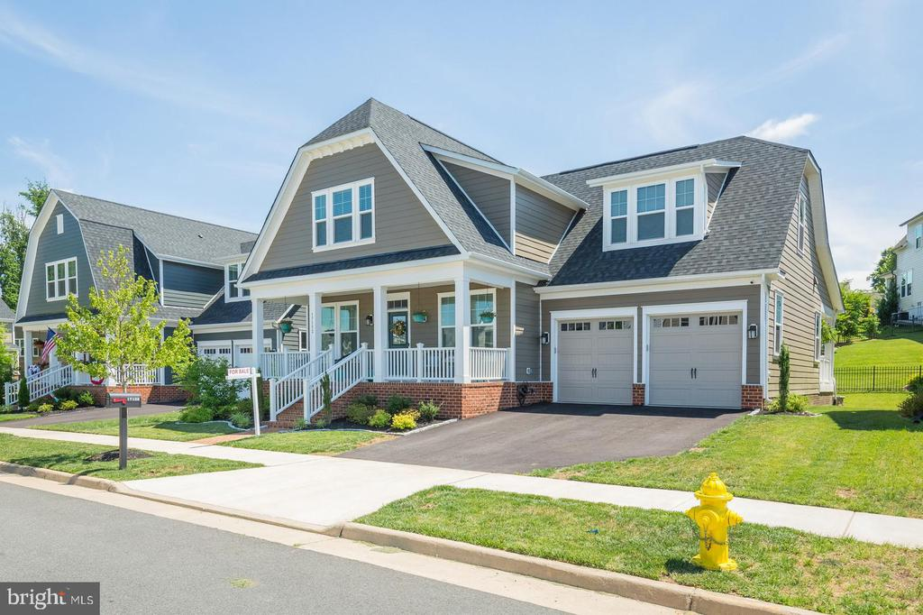 This is a stunning home. Priced to sell - 17152 GULLWING DR, DUMFRIES