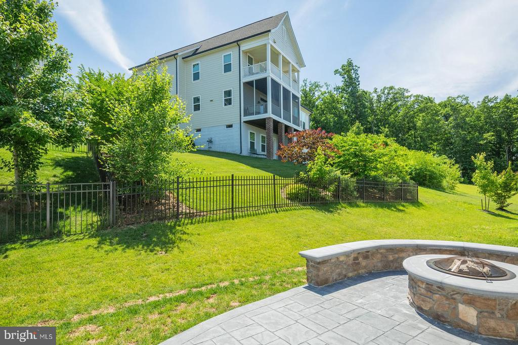 Beautiful sightlines - 17152 GULLWING DR, DUMFRIES