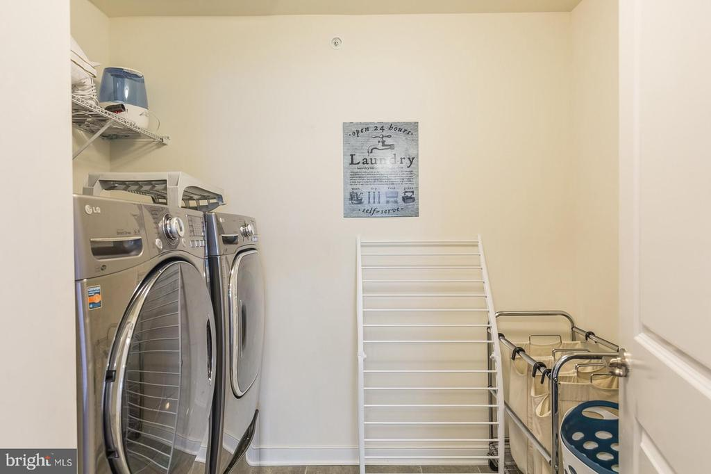 Upstairs Laundry - 17152 GULLWING DR, DUMFRIES