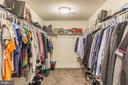 Huge walk-in closet - 17152 GULLWING DR, DUMFRIES