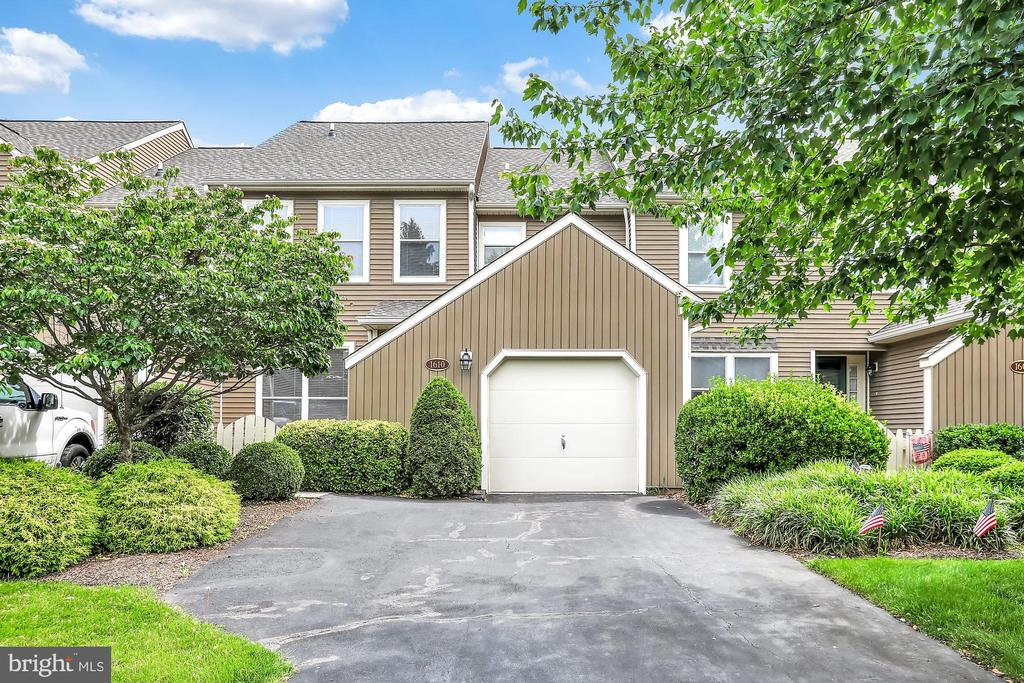 1610  LAKEVIEW CIRCLE, Yardley, Pennsylvania