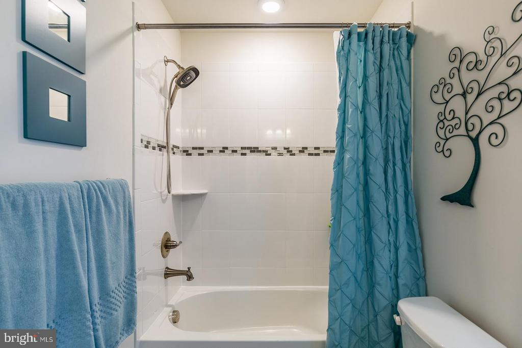 Bath in bedroom - 17152 GULLWING DR, DUMFRIES