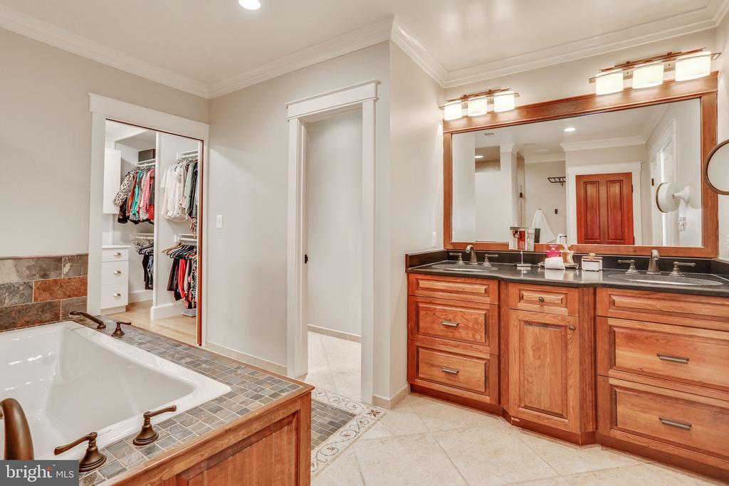 Master Bathroom - 3305 N ALBEMARLE ST, ARLINGTON