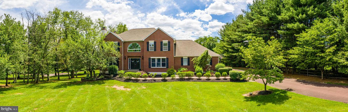 Photo of home for sale at 3280 Heebner Road, Collegeville PA
