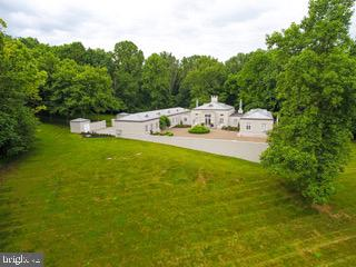 - 2491 SCHOOLHOUSE RD, MIDDLETOWN
