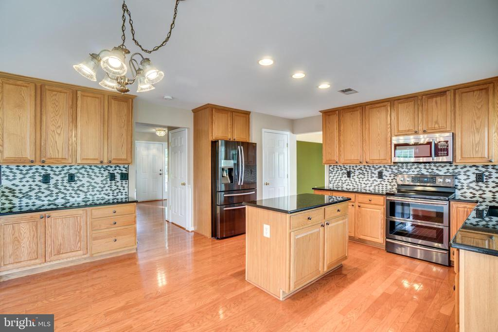 Kitchen - 700 WOODEN BRIDGE DR, PURCELLVILLE