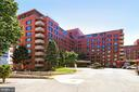 Welcome to River Place East! - 1021 ARLINGTON BLVD #419, ARLINGTON