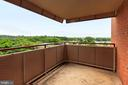 Balcony with sweeping monument view - 1021 ARLINGTON BLVD #419, ARLINGTON