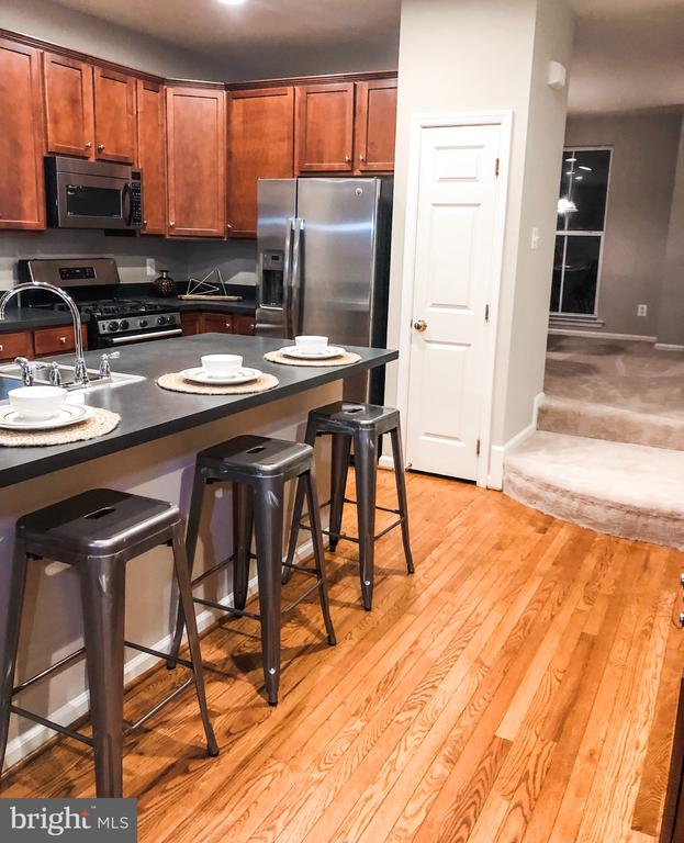 Kitchen step up to DR and LR Combo - 43113 HUNTERS GREEN SQ, BROADLANDS