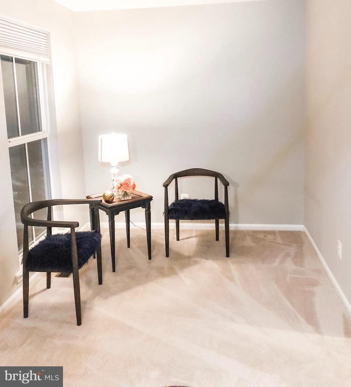 Living Room - 43113 HUNTERS GREEN SQ, BROADLANDS