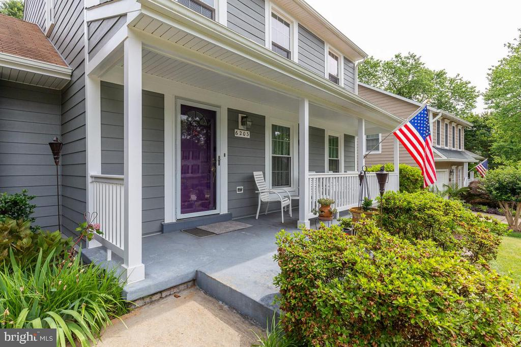 Lovely shaded porch all day! - 6203 GENTLE LN, ALEXANDRIA