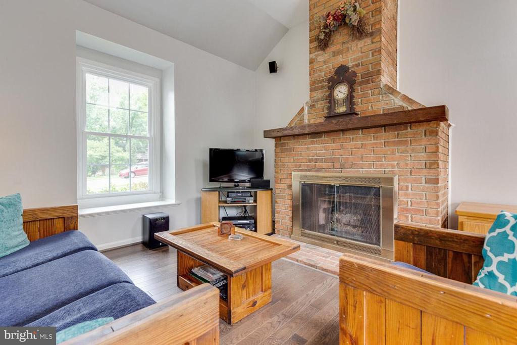 Cozy up around the fire - 6203 GENTLE LN, ALEXANDRIA