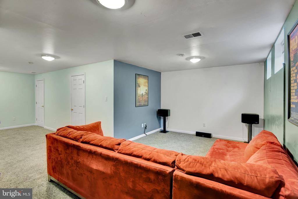 Basement 3 - Den (Movie Room) - 17892 LOUNSBERY DR, DUMFRIES