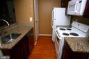 Kitchen - 5818 ROYAL RIDGE DR #Q, SPRINGFIELD