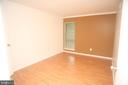 Main Bedroom - 5818 ROYAL RIDGE DR #Q, SPRINGFIELD