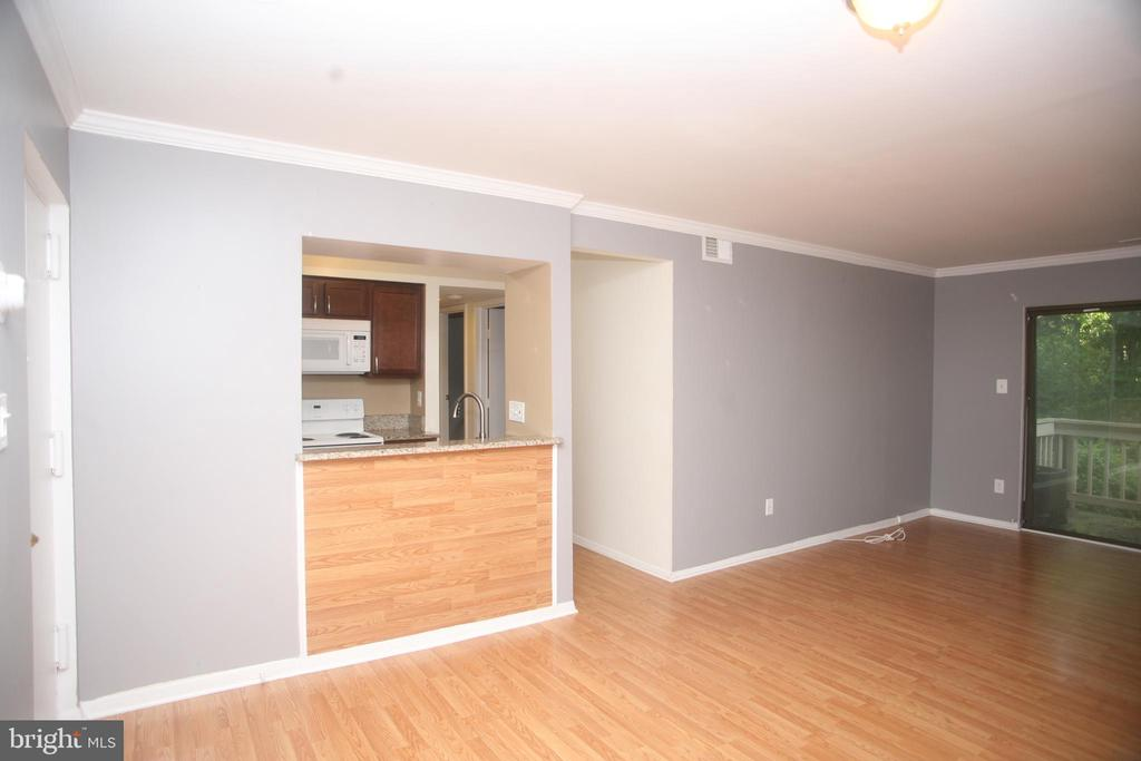 View into Kitchen from Living Room - 5818 ROYAL RIDGE DR #Q, SPRINGFIELD