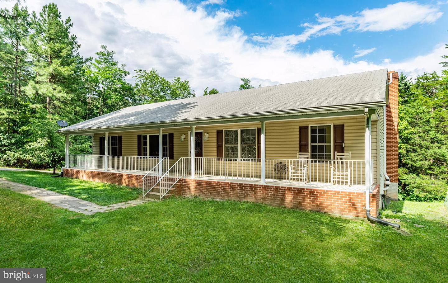 Single Family for Sale at 158 Ranger Ct Front Royal, Virginia 22630 United States
