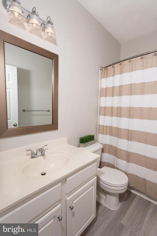 Bath 1 - 21849 GOODWOOD TER, ASHBURN