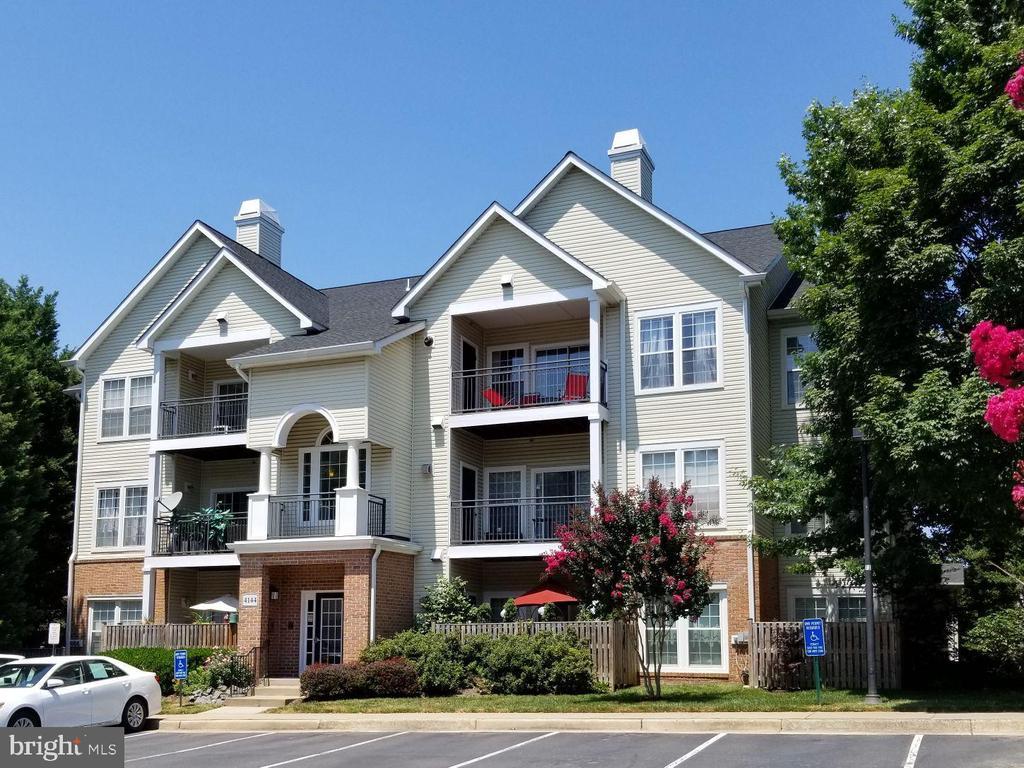 4144  FOUNTAINSIDE LANE  201,Fairfax  VA
