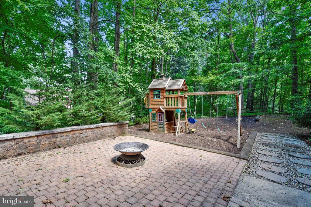 Firepit for S'mores! - 15795 FAWN PL, DUMFRIES