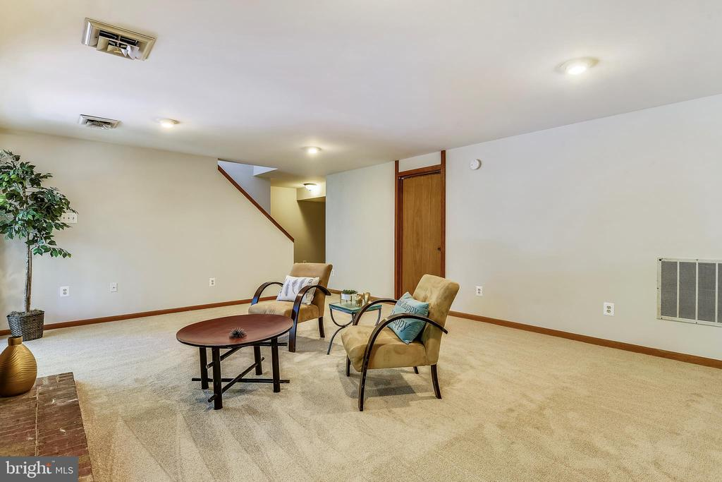 ALL NEW CARPET IN BASEMENT - 15795 FAWN PL, DUMFRIES