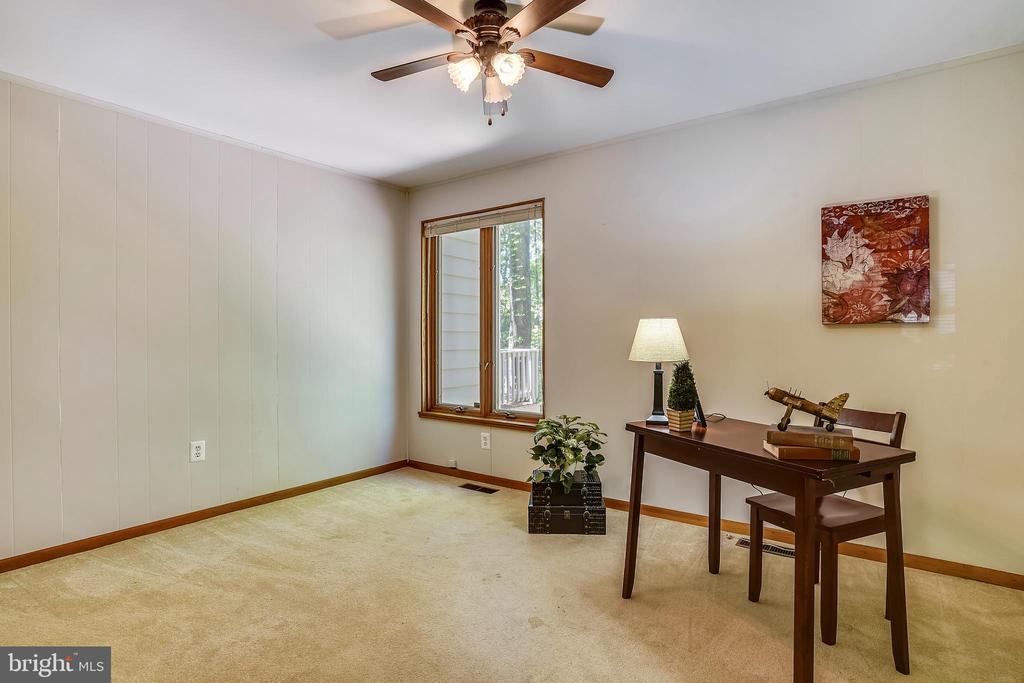 Bedroom or office space you decide! - 15795 FAWN PL, DUMFRIES