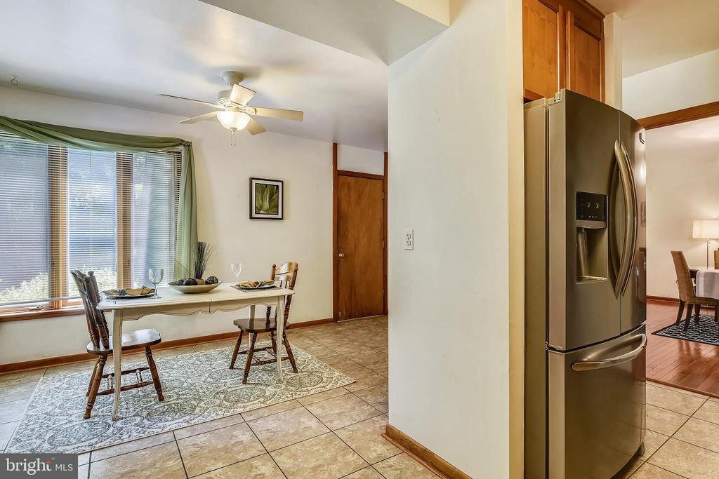Room for an eat in space - 15795 FAWN PL, DUMFRIES