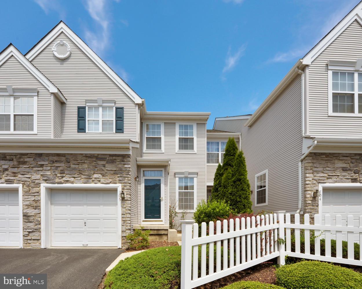 Villa per Vendita alle ore Dayton, New Jersey 08810 Stati Uniti