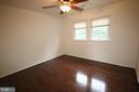 Third bedroom on upper level - 47429 RIVER FALLS DR, STERLING