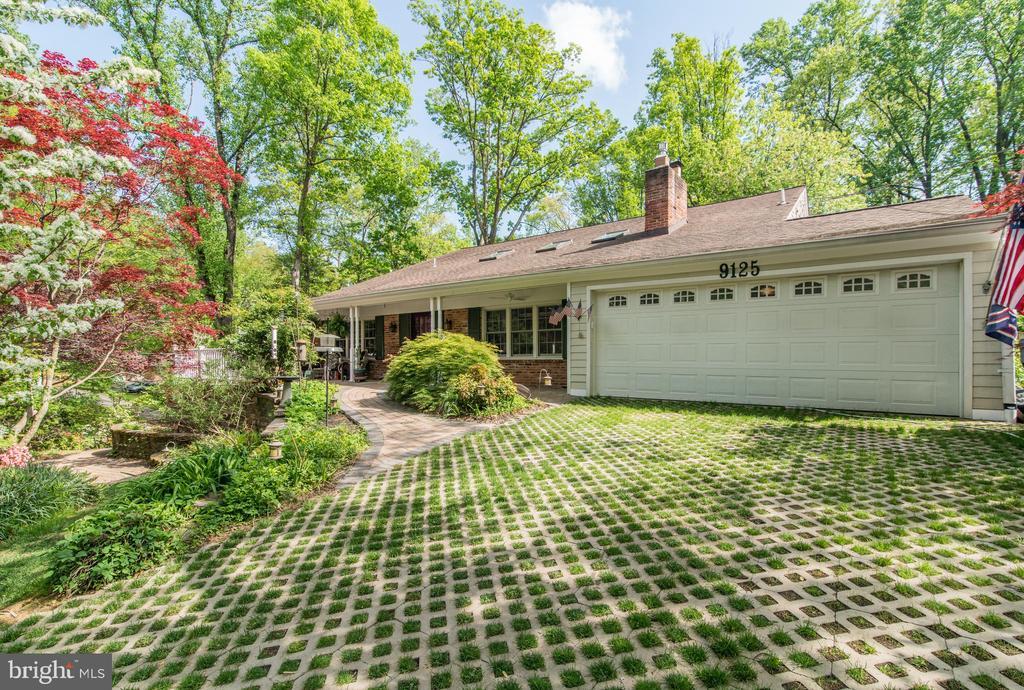 9125  SAINT MARKS PLACE, Fairfax, Virginia